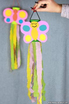 Windsock Butterfly Paper Roll Craft The post Butterfly Windsock Toilet Paper Ro. - Windsock Butterfly Paper Roll Craft The post Butterfly Windsock Toilet Paper Roll Craft appeared f - Art Projects For Adults, Toddler Art Projects, Cool Art Projects, Toddler Crafts, Craft Projects, Kindergarten Crafts, Preschool Crafts, Easter Crafts, Spring Crafts For Kids