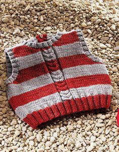 This Pin was discovered by Mün Baby Boy Knitting Patterns Free, Baby Sweater Patterns, Knit Vest Pattern, Knit Baby Sweaters, Knitted Baby Clothes, Knitting For Kids, Baby Patterns, Baby Boy Vest, Baby Cardigan