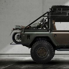 Triumph Scrambler & 1986 Land Rover 110 base vehicle converted to a soft-top DCPU. For ❤ of all things British 🇬🇧 Landrover Defender, Land Rover Defender 110, Vintage Motorcycles, Cars And Motorcycles, Thinking In Pictures, New Land Rover, Land Rover Models, Offroader, Triumph Scrambler
