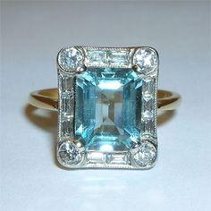 Love Aquamarine my birthstone . Jewelry Art, Antique Jewelry, Vintage Jewelry, Fashion Jewelry, Unique Rings, Beautiful Rings, Aquamarine Jewelry, My Birthstone, Love Ring