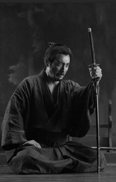 Ronin Samurai, Samurai Art, Samurai Warrior, Action Pose Reference, Photo Reference, Cartoon Girl Drawing, Girl Cartoon, Karate, Body Gestures