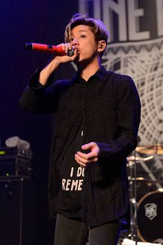 Takahiro Moriuchi of One Ok Rock performs at House Of Blues Chicago on September 2015 in Chicago, Illinois. Get premium, high resolution news photos at Getty Images One Ok Rock, House Of Blues Chicago, Takahiro Moriuchi, Androgynous Look, Japanese Drama, Rock Concert, Blue Hair, First Love, Singer