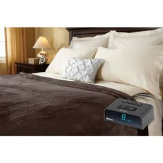 Holmes Sunbeam - Queen Size Heated Blanket Luxurious Velvet Plush with 2 Digital Controllers 10 Heat Settings 5yr Warranty - Brown *** Read review @ http://www.amazon.com/gp/product/B00IKW25B2/?tag=ilikeboutique09-20&tu=090816024124