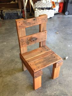 Nathan's lil pallet chair.