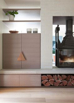 Hawthorn East House and a freestanding Cheminees Philippe fireplace. www.chemphilaust.com.au