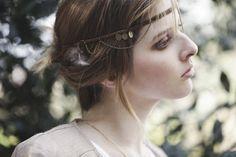 "Headband tresse en cuir marron et chaine en bronze ""Miguen, Plume"" http://naminoe.fr/fr/abenakis-ss-14/97-headband-miguen-plume.html Naminoe"