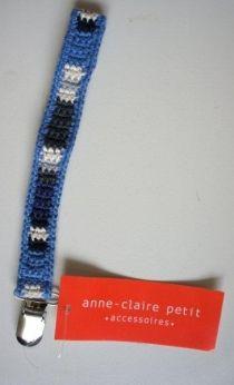 Gehaakt speenkoord in blauw, wit en grijs van het merk Anne Claire Petit.