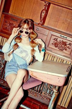 Taeyeon holler photo image