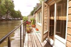Stay on a houseboat in Amsterdam!