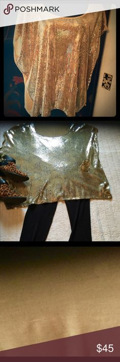 ✨✨📿Michael Kors Sparkler✨🏺✨ ✨✨💥NWOT the back is cotton tee shirt fabric with a golden sequined front✨✨💥🔥 Michael Kors Tops Tunics