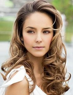Love this hair colour!! Brown/blonde. Would definitely love to do my hair this way