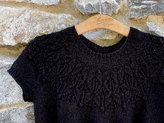 Crochet Tank, Diy Crochet, Summer Knitting, Winter Tops, Short Sleeves, Long Sleeve, Couture, Outlander, Ravelry