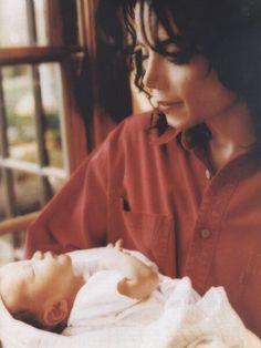MJ-UPBEAT – Happy Birthday Prince Michael Jackson!