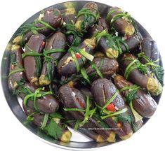 yetur'la lezzet kareleri.com: patlıcan turşusu ve kaşık turşusu