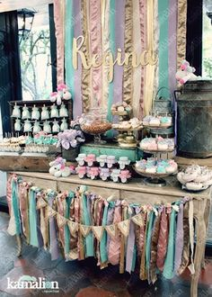 www.kamalion.com.mx - Mesa de Dulces / Candy Bar / Postres / Menta / Lila / Rosa / Unicorn party / Rustic Decor / Dulces / Postres / Lechero / Unicornio / Vintage / Cupcakes / Donas / Gold.