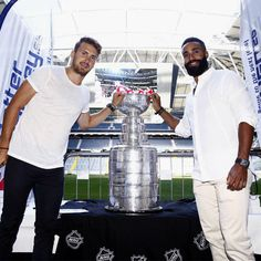Marcus Kruger & Johnny Oduya celebrate their 2015 Stanley Cup win in Sweden.