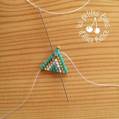 Tutoriel : Tissage brick stitch - Level 1 - Alice Balice - couture et DIY loisirs créatifs Beading Patterns Free, Beaded Jewelry Patterns, Beading Tutorials, Diy Seed Bead Earrings, Beaded Earrings, Seed Beads, Bead Jewellery, Jewelery, Handmade Bracelets
