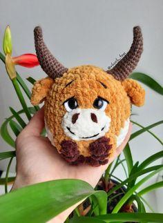 Amigurumi schemes in Russian. Crochet Animal Patterns, Stuffed Animal Patterns, Crochet Animals, Doll Patterns, Crochet Gifts, Crochet Toys, Free Crochet, Sock Crafts, Diy Crafts