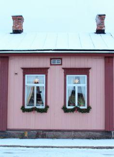 Anna Vihervaarasta - Blogi | Lily.fi House Landscape, Dream House Exterior, Pink Houses, Building Materials, Log Homes, My Dream Home, Finland, Entryway, Shed