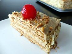 Tarta de moka. Me encanta esta tarta por varias cuestiones. El primero y mas obvio es que esta de miedo. Otro de los motivos principales es que es súper fá
