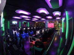 Gaming Lounge, Gaming Room Setup, Computer Shop, Gaming Computer, Gaming Center, Game Cafe, Arcade Room, Bar Games, Cafe Interior