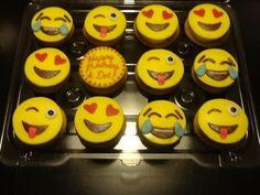 Savory magic cake with roasted peppers and tandoori - Clean Eating Snacks Cupcake Emoji, Emoji Cake, Cupcakes, Cupcake Cakes, Cupcake Ideas, Cupcake Toppers, Cheap Clean Eating, Clean Eating Snacks, Cake Pops