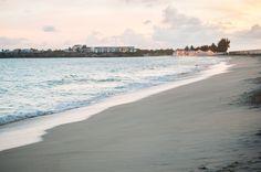 Travailler dans les Caraïbes: la réalité (Detour Local) -> Coucher de soleil sur la plage de Simpson Bay www.detourlocal.com/saison-travailler-a-saint-martin-caraibes/