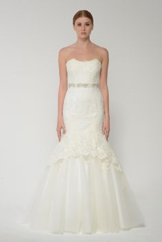 Lace and tulle strapless wedding dress Monique Lhuillier Bliss Bridal Collection - BL 1415