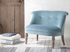 Our Grand Bovary is a gorgeous occasional chair. This elegant chair comes in a choice of over 100 fab fabrics and has lovely weathered legs.