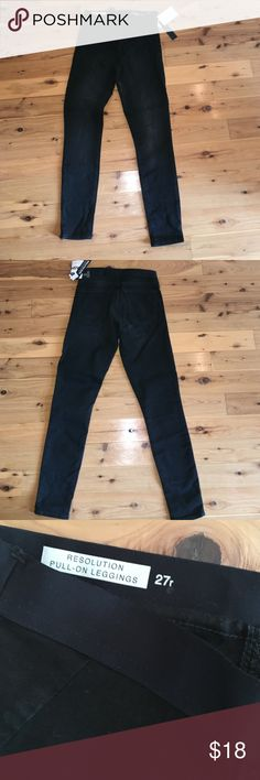 Gap resolution pull on leggings denim These jeans were a gift from my daughter who loves this style but didn't fit me well. Brand spankin' new and a great Jean/legging for the fall and winter months! No flaws and new with tags. Size 4 on tag. GAP Jeans Ankle & Cropped