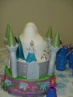 "My daughter's ""Frozen"" birthday cake"