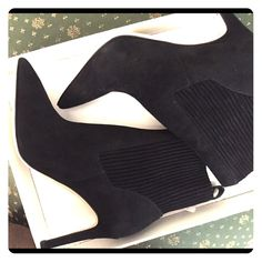 VIA SPIGA Ankle boots soft soft suede black brand new Via Spiga Shoes Ankle Boots & Booties