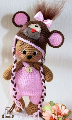 Watch This Video Incredible Crochet a Bear Ideas. Cutest Crochet a Bear Ideas. Crochet Teddy, Crochet Bear, Love Crochet, Crochet Animals, Crochet Dolls, Crochet Hats, Crochet Toys Patterns, Amigurumi Patterns, Stuffed Toys Patterns