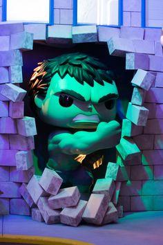 Hulk smashing in at the Funko HQ in Everett, WA Funko Spiderman, Funko Pop Marvel, Super Cool Stuff, Fun Stuff, Chicano Art Tattoos, Geek Room, Funko Pop Dolls, Hulk Art, Custom Funko Pop