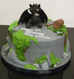 Birthday Cake , 7 Lovely How to Train Your Dragon Birthday Cake : Hello Kitty Birthday Cake Dragon Birthday Cakes, Dragon Birthday Parties, 4th Birthday Cakes, Dragon Cakes, Dragon Party, Birthday Ideas, Boy Birthday, Toothless Cake, Toothless Party