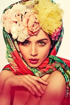 Ana de Armas photographed by Esperanza Moya for Glamour Magazine Photography Women, Portrait Photography, Hands Of Stone, Mexican Fashion, War Dogs, Woman Movie, Glamour Magazine, Fun Shots, Blade Runner