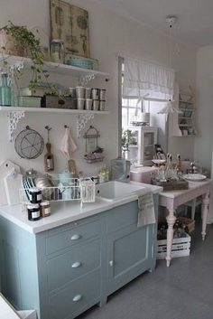 Home Interior Design Shabby Cottage Chic Kitchen Decor.Home Interior Design Shabby Cottage Chic Kitchen Decor. Cozinha Shabby Chic, Muebles Shabby Chic, Shabby Chic Kitchen Decor, Estilo Shabby Chic, Vintage Shabby Chic, Shabby Chic Homes, Shabby Chic Furniture, Rustic Decor, Bedroom Furniture