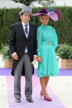 Wedding guest in purple and aquamarine La boda de Francisco Rivera y Lourdes Montes