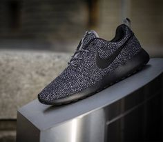Nike WMNS Roshe Run Print-Cool Grey-Black-Wolf Grey