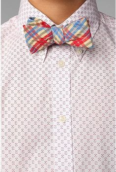 UO Forage Handcrafted Bow Tie