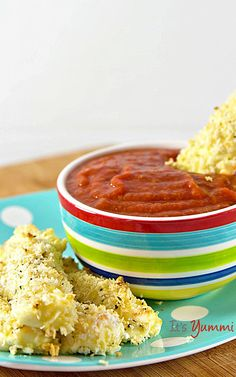 15 Minute Recipes: Baked Mozzarella Sticks {Gluten Free} - The perfect game day appetizer or anytime snack food! Get the recipe from Healthy Snacks, Healthy Recipes, Easy Recipes, Smart Snacks, Delicious Recipes, Baked Mozzarella Sticks, Football Food, Free Football, Friend Recipe