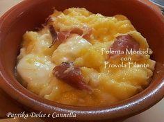 La polenta morbida con provola filante è un piatto completo, veloce, che risolve in pochi minuti una cena! Più che una ricetta è una bella idea!