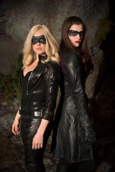 "S2 Ep17 ""Birds of Prey"" - Sara Lance/Black Canary and Helena Bertinelli/The Huntress"