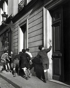 Robert Doisneau, La Sonnette, 1934