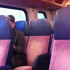 Lege trein op een werkdag tijdens de spits #beter