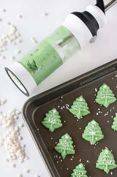 Winter Wonderland Almond Spritz Cookies - need to use my tool from KK! Christmas Tree Cookies, Christmas Cookie Exchange, Christmas Sweets, Noel Christmas, Holiday Cookies, Christmas Candy, Christmas Foods, Retro Christmas, Holiday Treats
