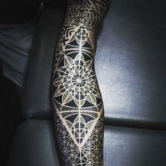 Ideas Of Cool Geometric Tattos Black Tattoos, Sexy Tattoos, Tattoos For Guys, Cool Tattoos, Awesome Tattoos, Future Tattoos, Hand Tattoos, Body Art Tattoos, Sleeve Tattoos