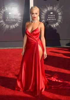 Rita Ora in a Red, high split Marilyn Monroe inspired gown by Donna Karen... gorgeous! 2014 VMAs