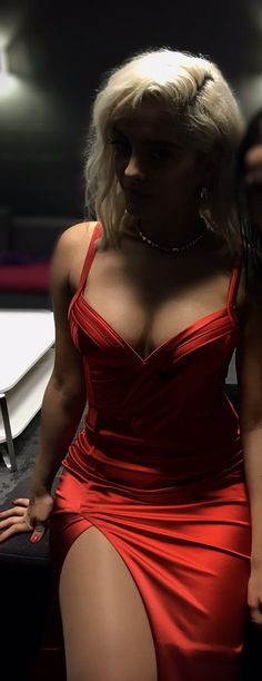 Dating In College Vs Real Life - Listbookmarking Bebe Baby, Doja Cat, Girl Inspiration, Cute Beauty, Lingerie, Female Singers, Lady In Red, Celebs, Vestidos