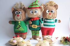 Free crochet pattern-Rudolph the reindeer ragdoll. Christmas is here everyone knows Rudolph the red-nosed reindeer.The helper of Santa delivering the gifts.